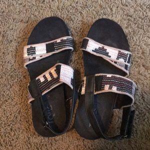 06be3a495fe Toms. Toms Tierra sandals